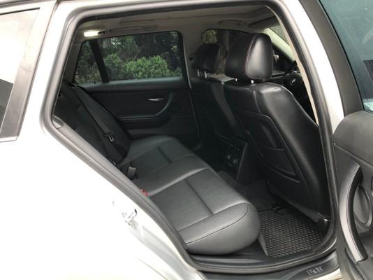 中古車 BMW 3 Series Touring 320 圖片