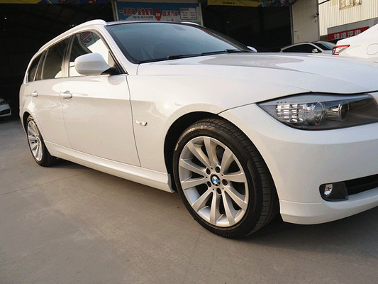 中古車 BMW 3 Series Touring 320 圖片