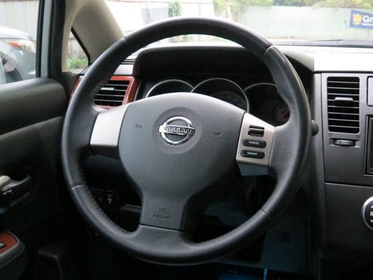 中古車 NISSAN Tiida 1.8 圖片