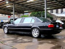 古馳上精選實價1999年3月出廠BMW L7 5.4 E38小改款車頭稀有可刷卡