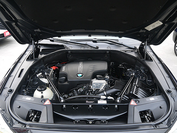 中古車 BMW 5 Series Grand Turismo 528 圖片