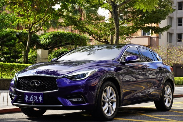中古車 INFINITI Q Sedan Q30 圖片