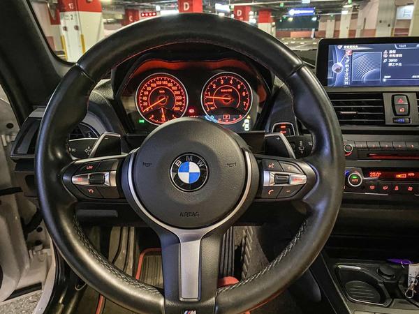 中古車 BMW 2 Series M235i 圖片